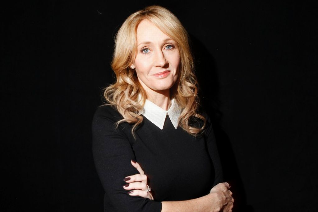 Author J.K. Rowling affianced 1m to a Better Together debate and said: It doesnt take a sorceress to work out that Alex Salmonds box for violation adult a UK simply isnt a risk value taking.